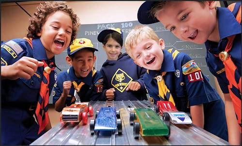 pinewood derby cars racing